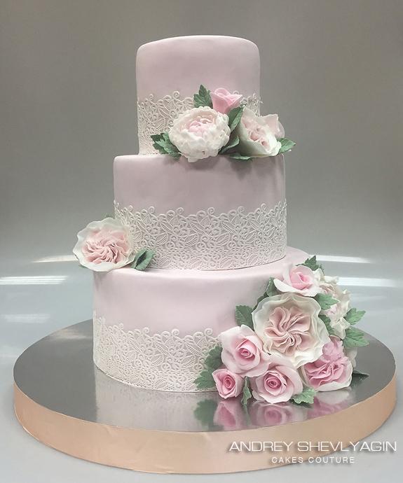 Торт с кружевами свадебный